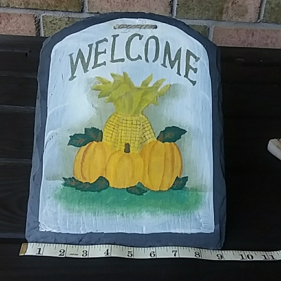 "unmarked Other - Slate Autumn ""Welcome "" sign"
